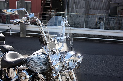 バイクのウィンドシールドのメリットについて調べてみました!のサムネイル画像
