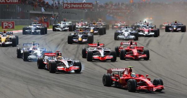 F1 日程 (2015年版) 絶対に見逃さない今年のF1日程表のサムネイル画像
