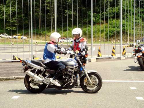 小型バイクに乗るのに必要な免許は?小型バイク免許取得方法まとめ!のサムネイル画像