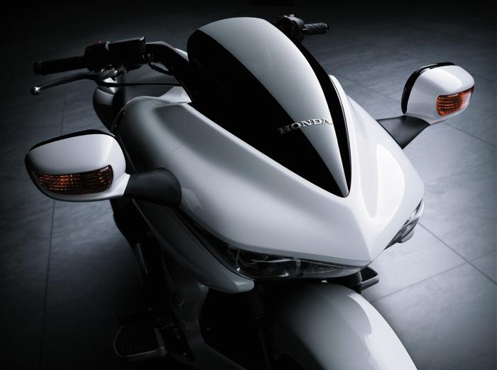 ビッグスクーターがほしい方に!ホンダの新型ビッグスクーター特集のサムネイル画像