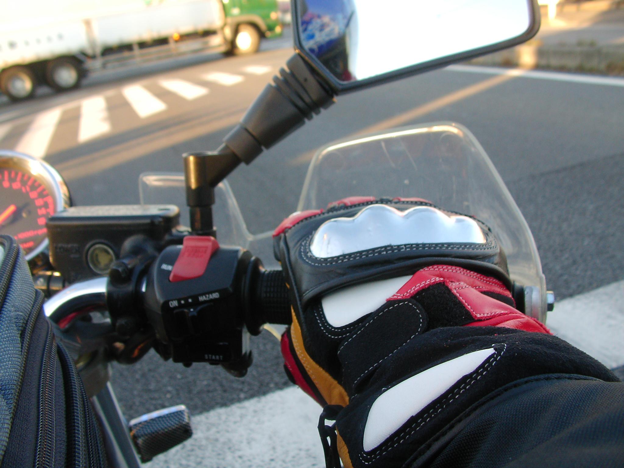 バイク乗り必見!おすすめなライディンググローブいろいろ♪のサムネイル画像