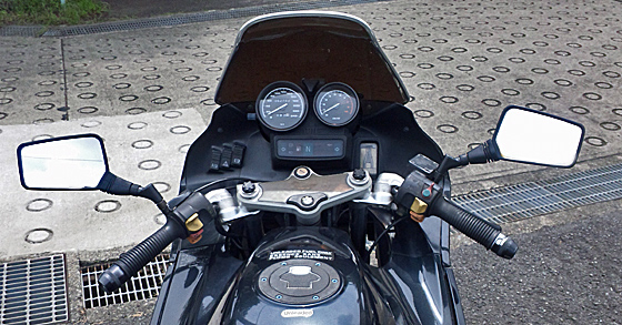 バイクのバックミラーはどれを選んでも良いわけではない理由をご紹介のサムネイル画像