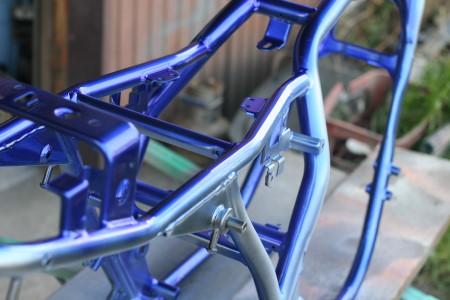 バイクのフレームの塗装にこだわるなら下地処理から始めましょう!のサムネイル画像