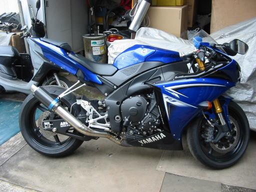 バイク用マフラーに消音効果を持たせるのは意外と簡単だった!のサムネイル画像
